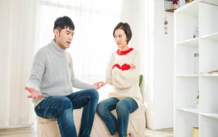 离婚诉讼不出庭