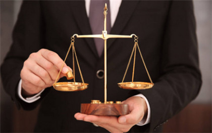 律师执业需具备哪些条件,律师费一般是多少
