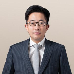 顏培卿律師