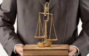 离婚怎么请律师