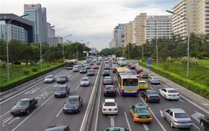 逆向行驶能躲开区间测速拍照吗
