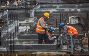 服务期限长于劳动合同期限,公司可终止劳动合同吗?