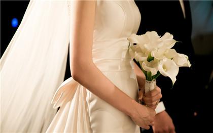 离婚协议房子归女方过户手续